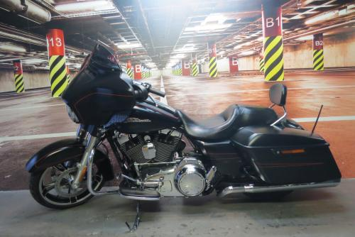 TOURING STREET-GLIDE